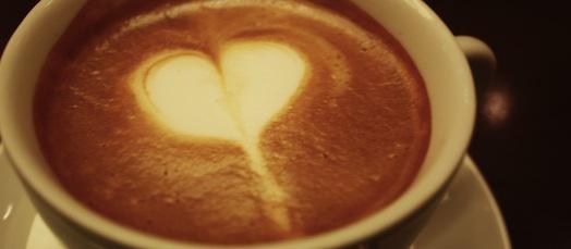 常連客でにぎわっていた喫茶店のお話。